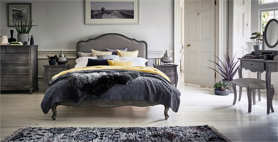 Contemporary Bedroom Set London Black By Acme Furniture: Modern Bedroom Furniture Stores